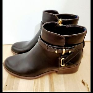 NWOT Tommy Hilfiger Brown Leather Ankle Booties